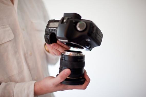 Как избежать попадания пыли на сенсор при смене объективов